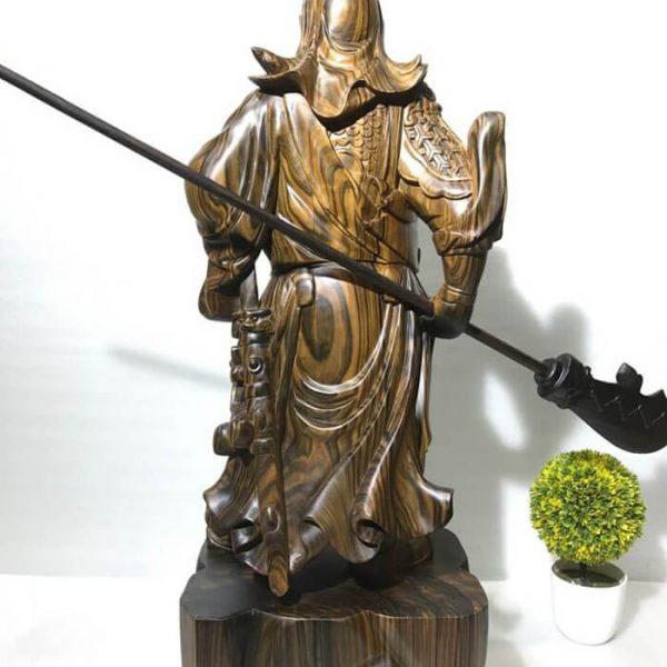 Tượng Quan Công gỗ mun hoa