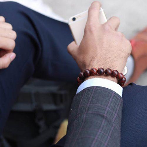 Vòng tay gỗ sưa dành cho doanh nhân
