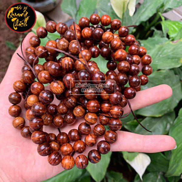 Vòng tay gỗ sưa Quảng Bình 10mm vân siêu đẹp