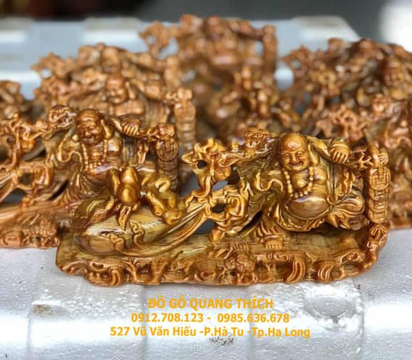 Tượng Phật Di Lặc kéo kao tiền để Ô Tô gỗ huyết long 20x10x5cm